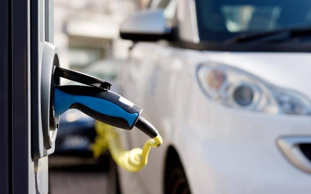 Achat voiture électrique : quelles aides pour la financer ?